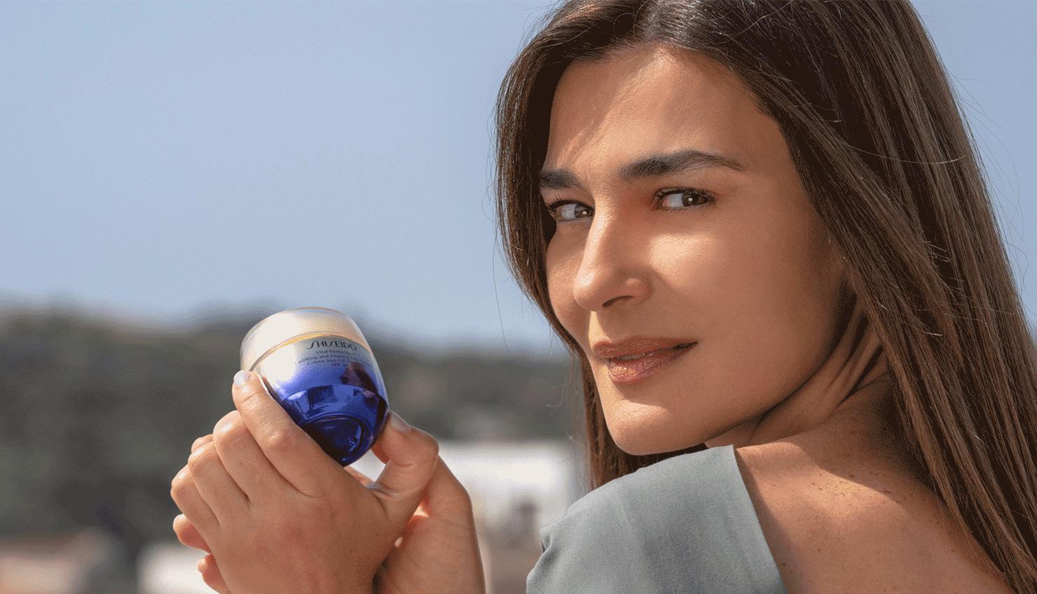 Τη σειρά περιποίησης Vital Perfection ανανεώνει η Shiseido