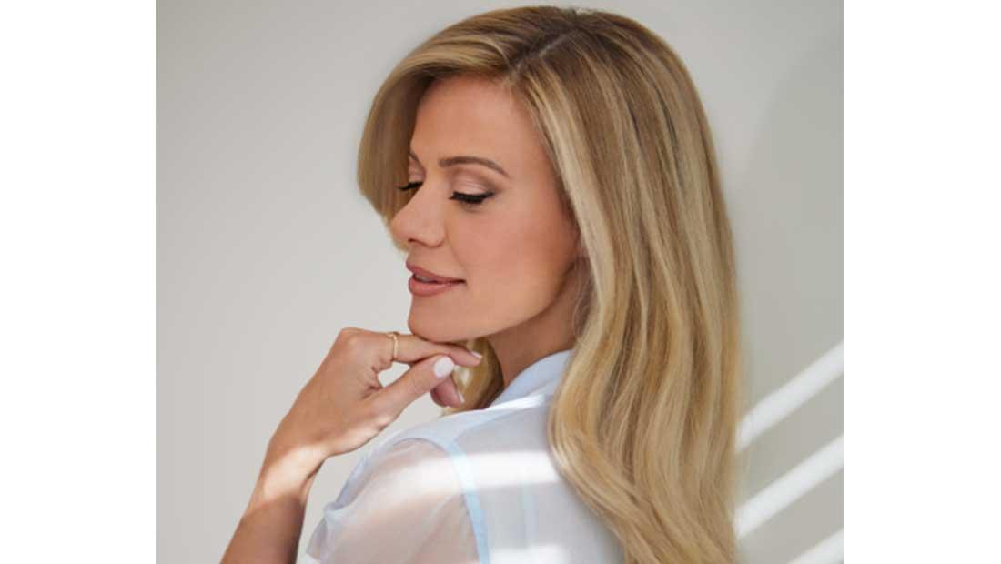 H L'Oréal Professionnel Paris συνεργάζεται µε τη Ζέτα Μακρυπούλια