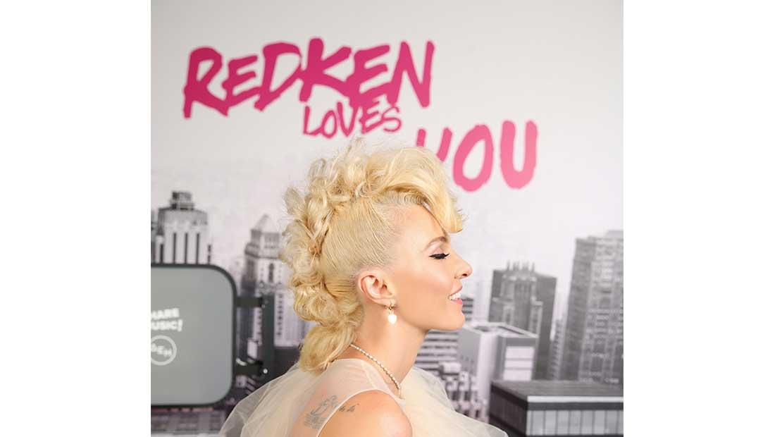Στα Mad Video Music Awards 2021 η Redken