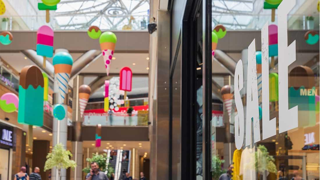 Ξεκίνησαν οι εκπτώσεις στο the mall athens