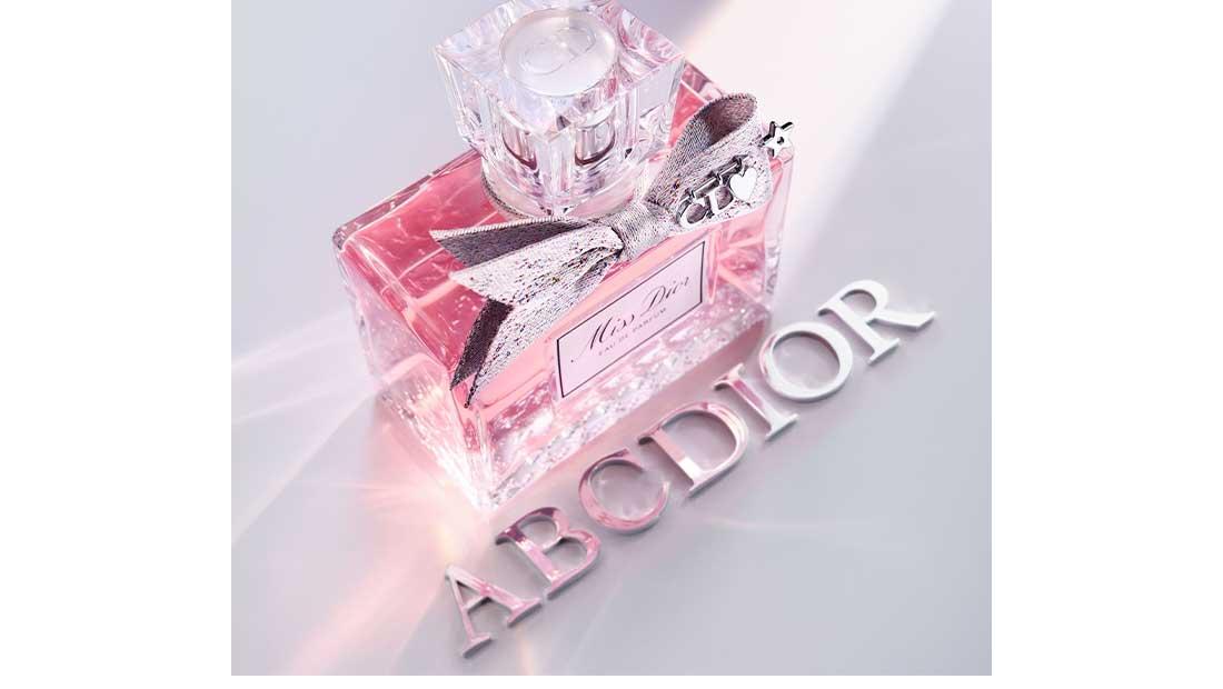 Το Miss Dior Eau de Parfum ανανεώνει ο οίκος Dior